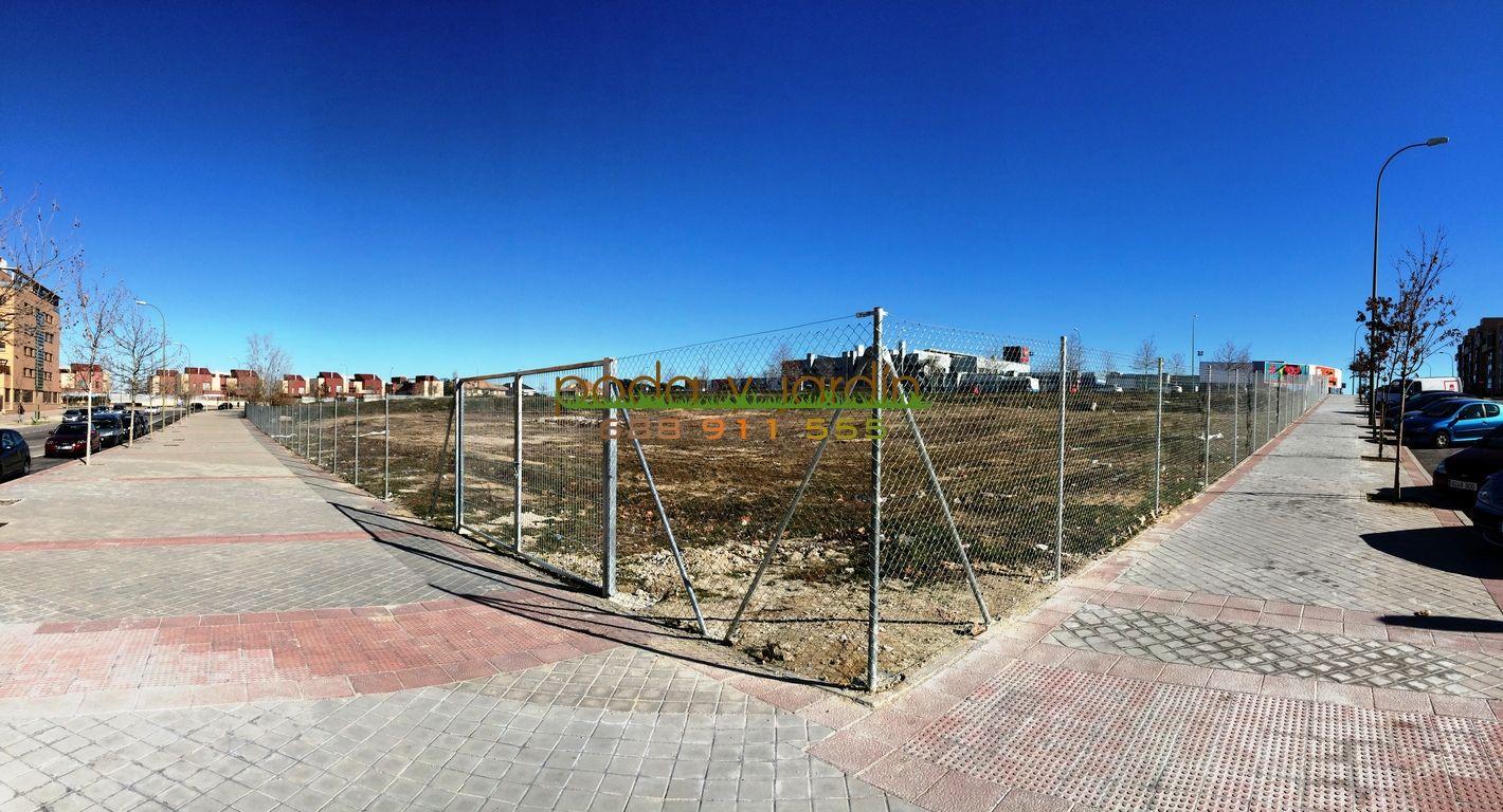 Empresa de vallados cercados cerramientos simple torsion - Vallar un terreno ...